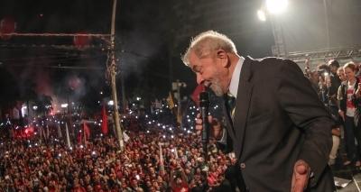 Defesa de Lula diz que bloqueio de contas é ilegal; PT cita 'vingança' de Moro