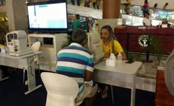 Exames oftalmológicos gratuitos são realizados em shopping de Salvador