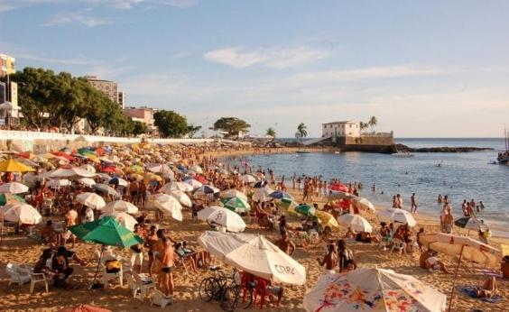 Corpo de mulher é encontrado boiando em praia no Porto da Barra