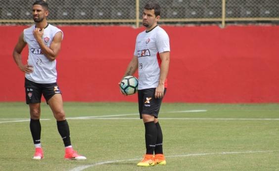 Em crise, Vitória enfrenta a Chapecoense neste sábado pelo Brasileirão