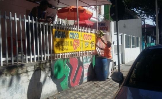 50 publicidades irregulares são apreendidas na Barra