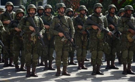"""""""Vamos atuar com efeito surpresa', diz ministro sobre ações das Forças Armadas no Rio de Janeiro"""