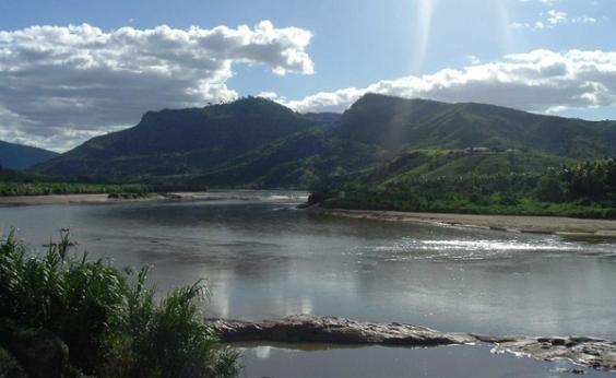 Idoso salva filho de afogamento, mas morre no Rio Jequitinhonha, em Belmonte