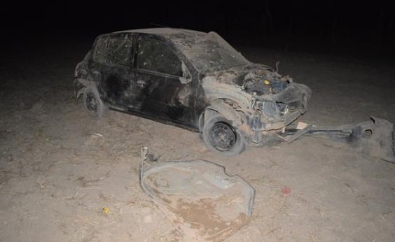 Motorista é arremessado de carro em capotamento e morre na BR-242, em Barreiras