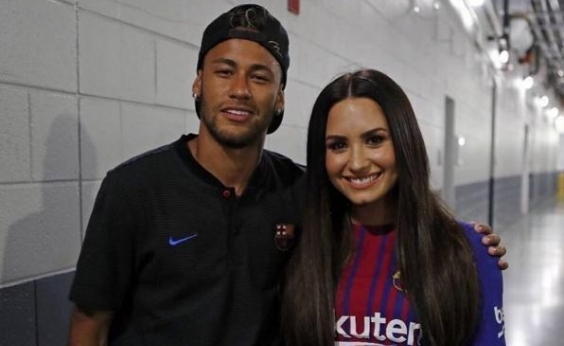 Bruna Marquezine curte comentário que supõe affair entre Neymar e a cantora Demi Lovato
