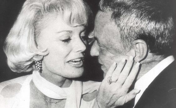 Morre viúva de Frank Sinatra, Barbara Sinatra, aos 90 anos