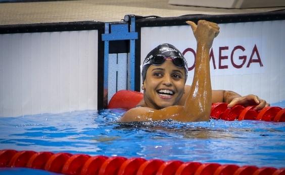 Etiene Medeiros leva ouro nos 50m costas do Campeonato Mundial de esportes aquáticos