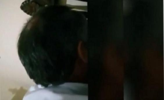 Padre é filmado beijando garota de 14 anos em igreja de Minas Gerais