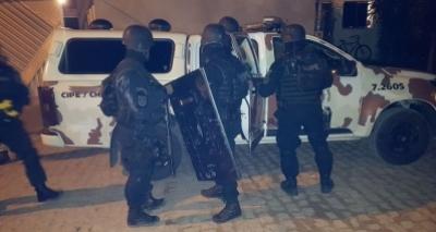 Polícia liberta crianças mantidas reféns por padrasto em Itaberaba