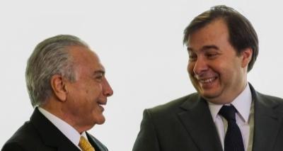 Maia adverte Temer sobre falta de votos para reforma da Previdência