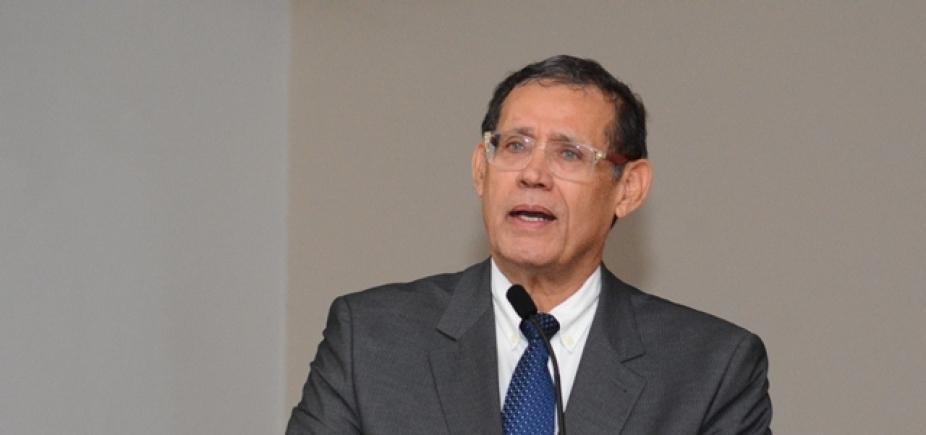 [Roberto Badaró destaca importância da 1ª Feira de Soluções para a Saúde]