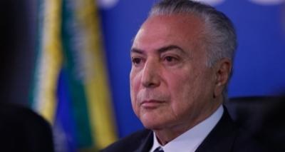 PMDB suspende funções partidárias de seis deputados que votaram contra Temer