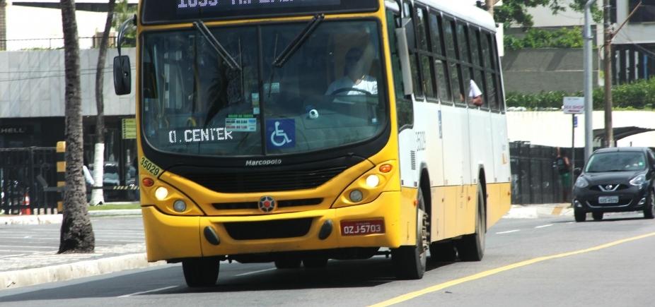 [Após ônibus incendiado, rodoviários deixam de parar no fim de linha do Centro de Convenções]