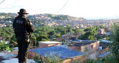 Secretário promete reforço em policiamento em toda Bahia após ameaças de traficantes
