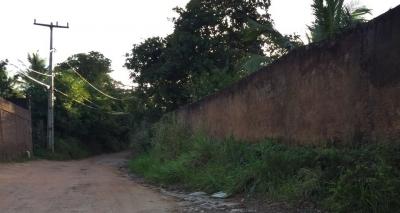 """Moradores de Cassange cobram infraestrutura básica no bairro: """"Clamamos por ajuda"""""""