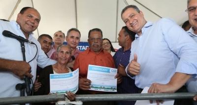 Rui entrega mais de mil certificados a agricultores em Conceição do Almeida