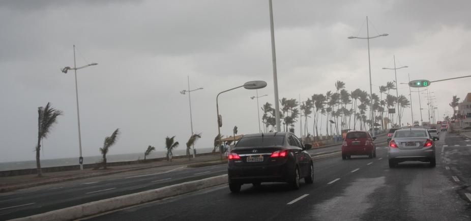 [Com previsão de mau tempo, Salvador terá chuvas e ondas de até 4 metros neste fim de semana]