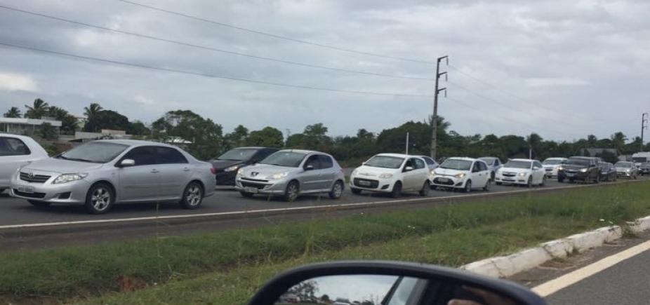 [Obras da CLN voltam a causar congestionamento na Estrada do Coco]