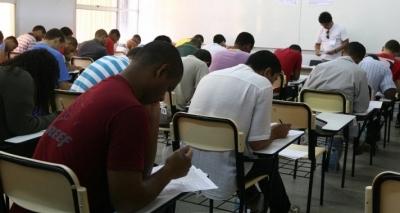 Ministério da Agricultura abre 300 vagas com salário de quase R$ 7 mil
