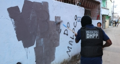 Polícia Civil remove pichações de facções em São Cristóvão