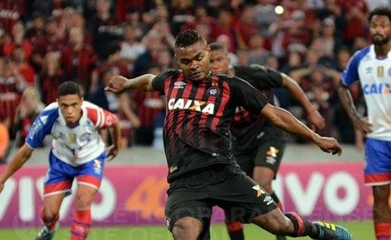 Bahia cai diante do Atlético-PR e acaba goleado por 4 a 1 fora de casa