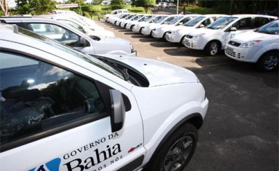 Polícia encontra carro da Secom roubado próximo ao Hospital da Bahia
