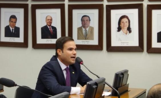 Relator do Orçamento, Cacá Leão diz que há 'falta de diálogo' com Temer