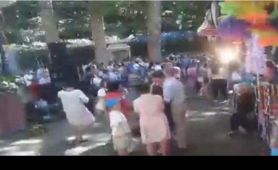 Árvore cai em festival religioso, mata 12 pessoas e deixa outras 52 feridas; vídeo