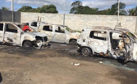 Santo Estêvão: dupla invade garagem da prefeitura e ateia fogo em carros