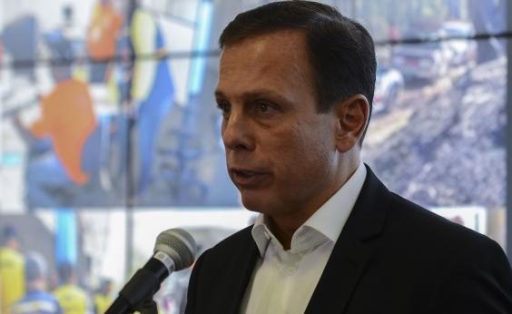 Após ovada em Salvador, Doria é recebido com protesto em Natal