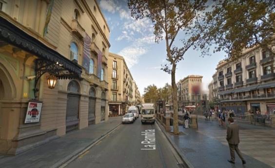 Baiana relata tensão após atropelamentos em Barcelona: Cidade em alerta