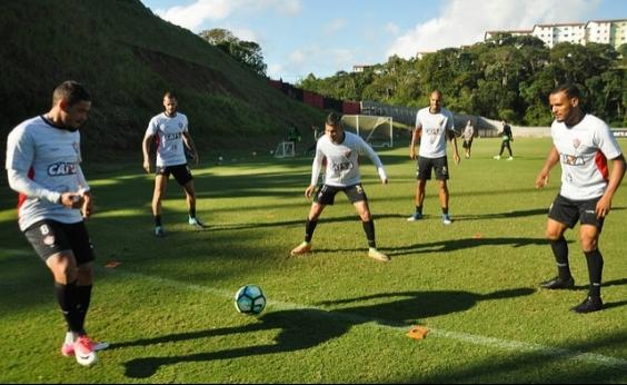 Com novidades, Mancini relaciona 20 jogadores para enfrentar o Corinthians
