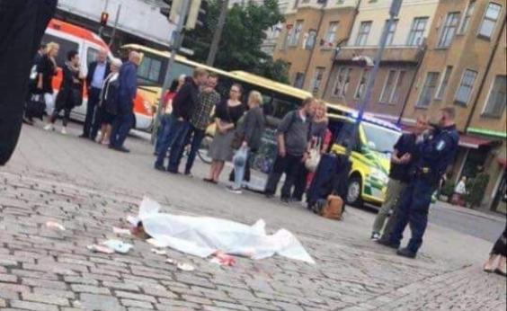 Homem é preso após esfaquear pessoas na Finlândia; uma pessoa morreu