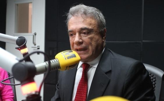 Senador pede saída de Temer e diz que país vive tragédia política histórica