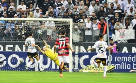 Vitória vence e Corinthians quebra sequência de 34 jogos sem perder