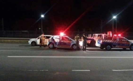 Motorista é flagrado dirigindo alcoolizado em contramão na Avenida Paralela