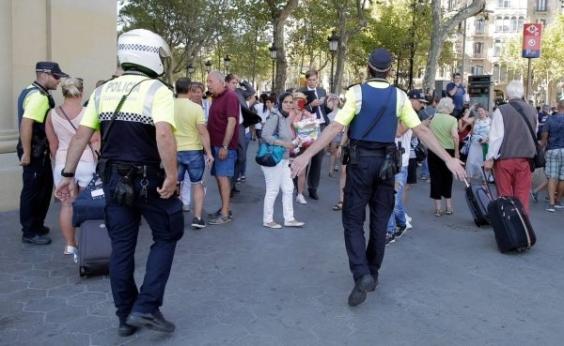 Polícia espanhola não descarta que suspeito de atentado em Barcelona tenha fugido para a França