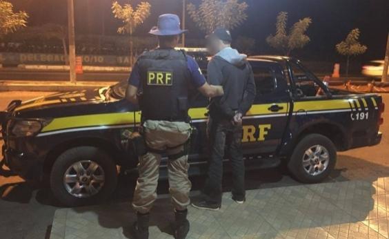Motorista bêbado tenta subornar policiais federais e acaba preso em Barreiras