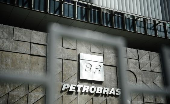 Diretor da Petrobras diz que estatal voltará a fazer concursos públicos com regularidade