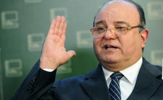 Ex-deputado Vaccarezza é interrogado pela Polícia Federal em Curitiba