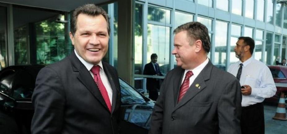 [Ex-governador de MT diz ter pago dívidas do ministro Blairo Maggi em troca deapoio em campanha]