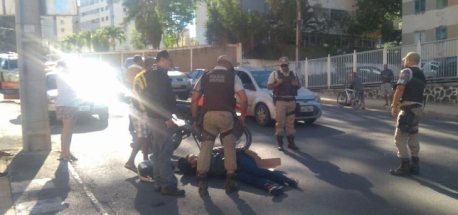 [Acidente entre carro e moto complica trânsito em São Marcos]