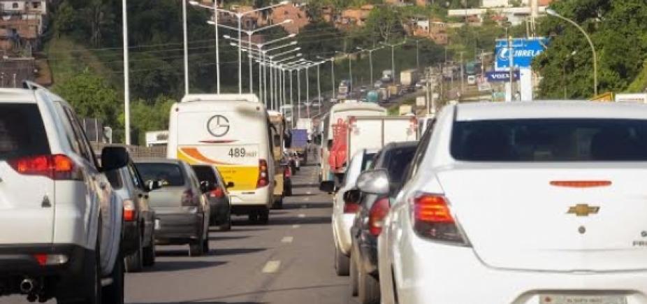 [Carreta quebrada em São Caetano já congestiona até a Estrada de Campinas]