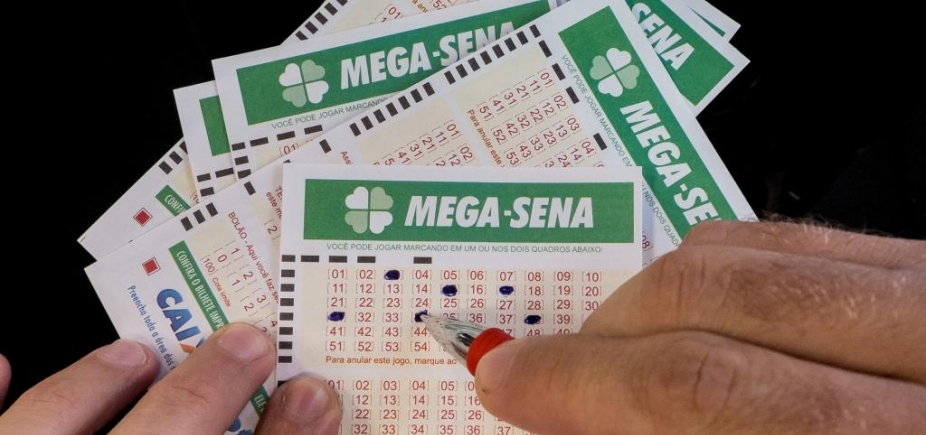 [Mega-Sena: sorteio deste sábado pode pagar prêmio de R$ 50 milhões]