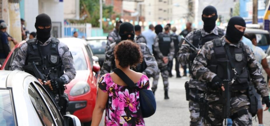 [Polícia deflagra operação para combater tráfico de drogas no Engenho Velho]