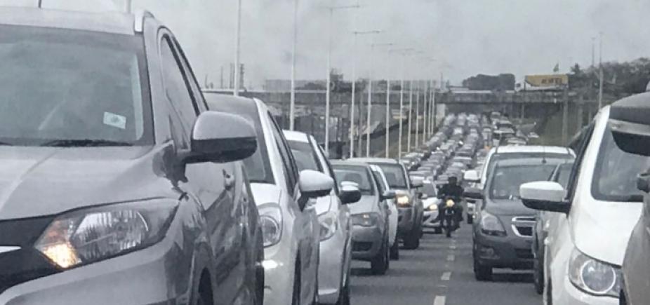 [Início de manhã com acidentes na Bonocô, Acesso Norte e na BR-324]