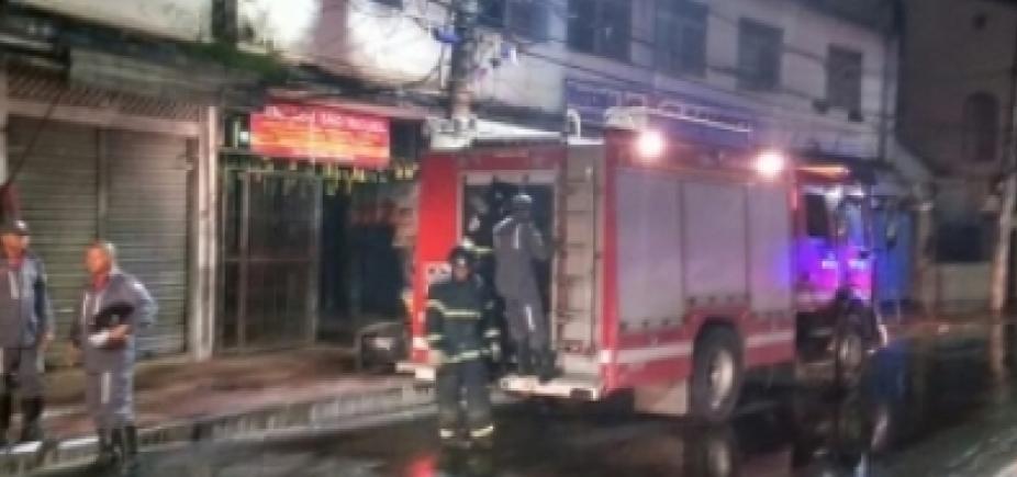 [Após incêndio, pavilhões do Mercado de São Miguel são interditados]