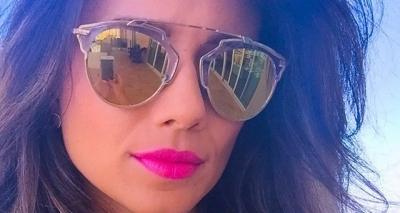De biquíni, Paula Fernandes mostra bumbum e agita web: