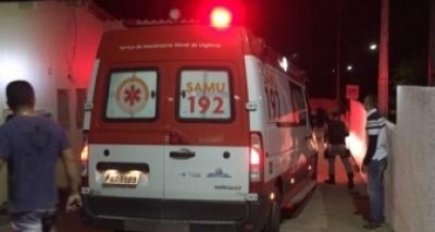 Jovem baleada durante troca de tiros em ônibus continua internada em estado grave