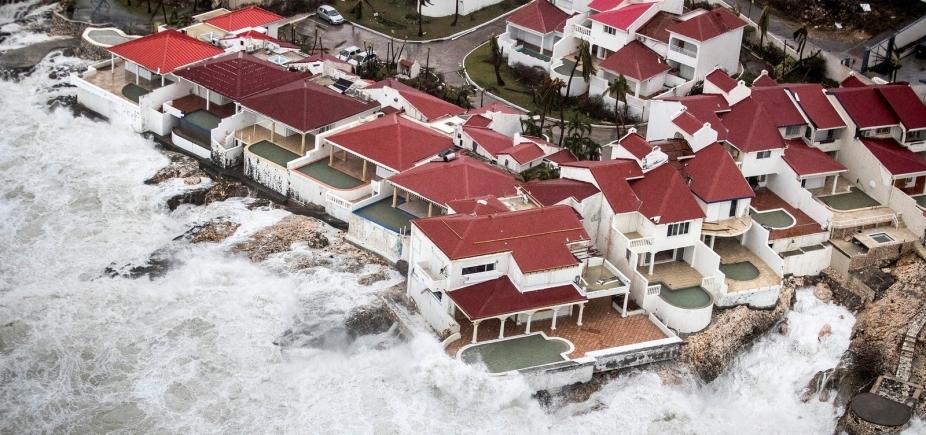 [Furacão Irma atinge Caribe e deixa pelo menos 10 mortos]